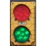 5.Sygnalizacja świetlna z czujnikiem ruchu — pokazuje kolor zielony, gdy kierowca ciężarówki może jeździć po rampie i zmienia kolor na czerwony, gdy musi się zatrzymać.