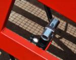 1) regulacja wysokości rampy mobilnej jest bardzo prosta dzięki zastosowaniu hydrauliki ręcznej wysokiej jakości, dlatego zewnętrzne zasilanie nie jest potrzebne;